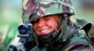 Что толкает женщину служить или работать на воинской части