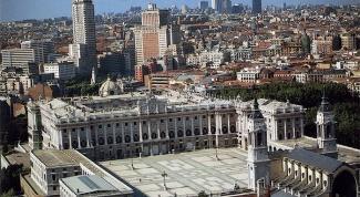 Королевский дворец в Мадриде: вехи строительства