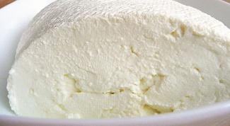Как приготовить домашний творог из деревенского молока