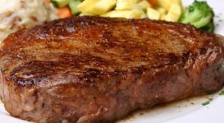 Готовим мраморную говядину с черной солью и крымскими травами