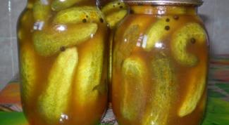 Как заготовить на зиму консервированые огурцы в томатном соусе