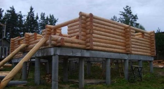 Какой фундамент лучше для деревянного сруба