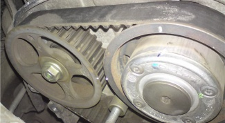 How to replace the timing belt on a Renault Megan