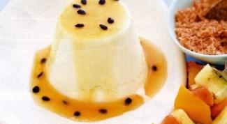 Тропическая Панна Котта с соусом из маракуйи