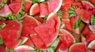 Как выбрать сочный спелый арбуз