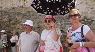 Путешествия без границ: как отправить родителей в поездку