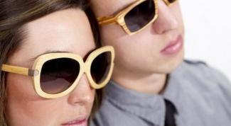 Очки в деревянной оправе - модный тренд этого сезона