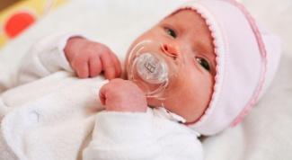 Давать ли соску новорожденному