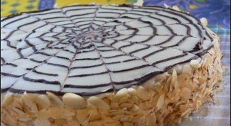 How to decorate sides of cake