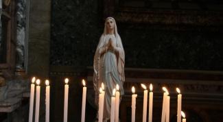 Для чего в церкви зажигают свечи