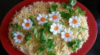 Как украсить и подать салат
