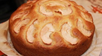 Быстрый пирог на кислом молоке