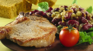 Delicious and juicy pork chop in the pan