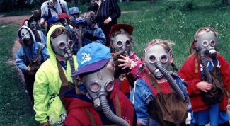 Who and how invented the gas mask