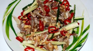 Как приготовить салат из свиных ушей