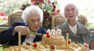 How many centenarians in Russia