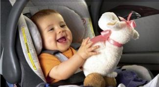 Как развлечь ребенка в автокресле