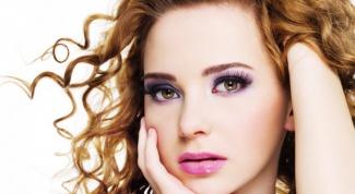 Как подчеркнуть форму глаз макияжем
