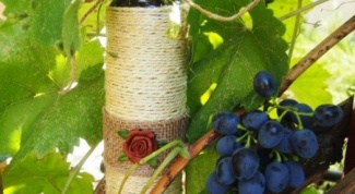 How to decorate the bottle with twine
