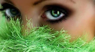 Magical green eyes: the character or superstition