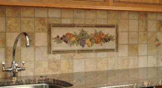 Отделка кухонь: пластиковые панели или кафель