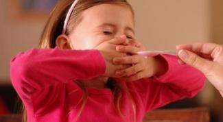 Как уговорить ребенка выпить лекарство