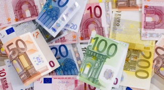 What are the denominations of Euro banknotes