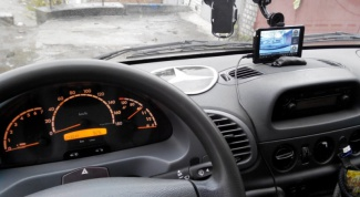 Навигатор с регистратором: достоинства, недостатки и особенности