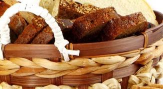 Какой хлеб полезнее - белый или черный
