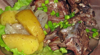 Rib of beef, stewed with potatoes
