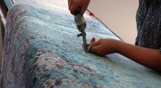 Make rugs out of old things