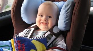 Детское автокресло: до скольки лет и какое