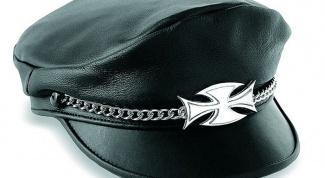 Красивые кожаные женские кепки