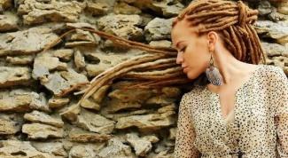 What female hairstyle to make dreadlocks