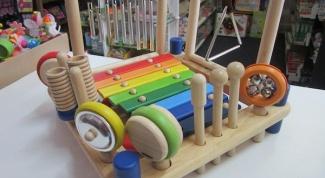 Какие игрушки нужны детям в 8 месяцев
