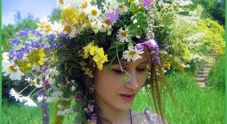 Как сплести венок на голову из искусственных цветов