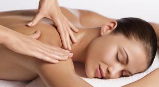 Как делается массаж шейно-воротниковой зоны