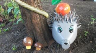Ежик из пластиковых бутылок -  оригинальное украшение сада