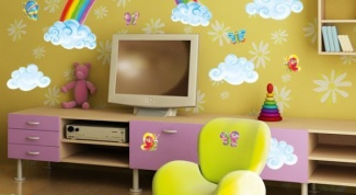 Как нарисовать радугу на стене красками