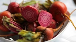 Как приготовить салат из вареной свеклы
