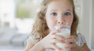 Как проявляется аллергия на молочные продукты