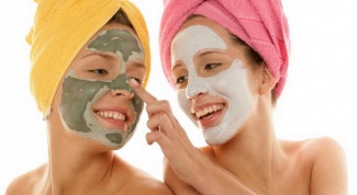 When to do facial mask in the morning or evening