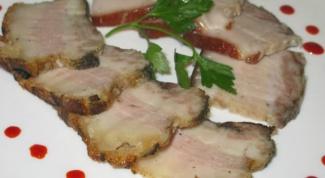 Как готовить свиные щеки