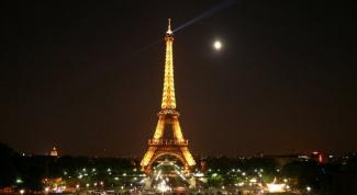 Как сфотографироваться на фоне Эйфелевой башни