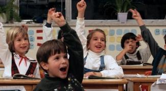 По каким критериям учитель рассаживает учеников за партами