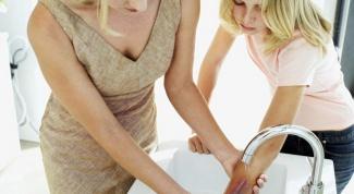 Как оказать первую медицинскую помощь при ожоге щёлочью