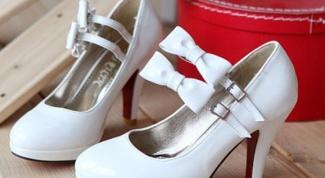 С чем не сочетается белая обувь