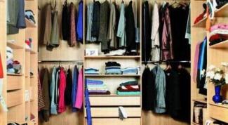 Нужно ли проветривать шкаф с одеждой