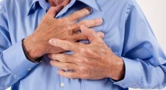 Какие симптомы грудного хондроза