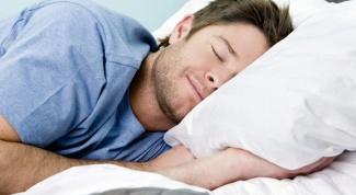 Почему у мужчины эрекция, когда он просто спит